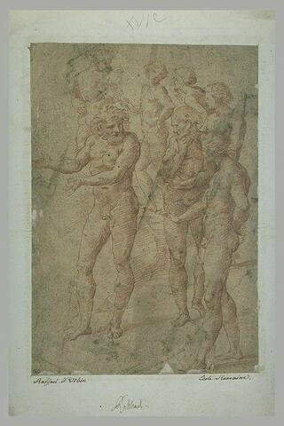 Huit hommes nus debout