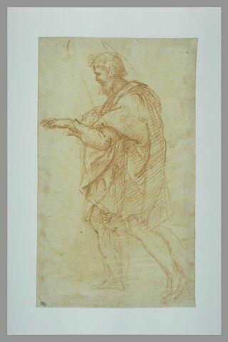 Saint Joseph, debout, de profil, se dirigeant vers la gauche