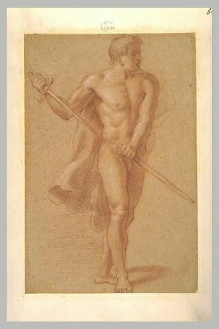 Jeune homme nu, debout, portant une cape, dégainant