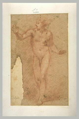 Homme nu, debout, bras ouverts, paraissant étonné