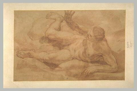 Homme nu, couché sur le côté, jambes écartées, levant le bras droit