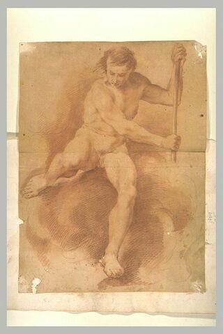 Homme nu, assis, de face, jambes écartées, appuyé sur un bâton