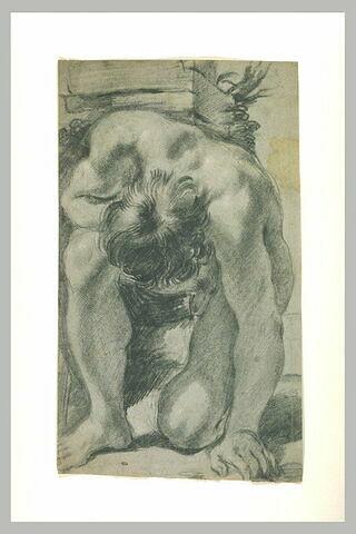 Homme nu, agenouillé, de face, courbé en avant