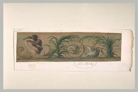 Décor de frise, avec deux figures enlacés et un cygne