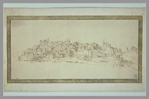 Vue d'une ville fortifiée sur le bord d'un lac ou d'une rivière
