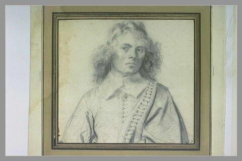 Buste d'un homme à la chevelure abondante et bouclée