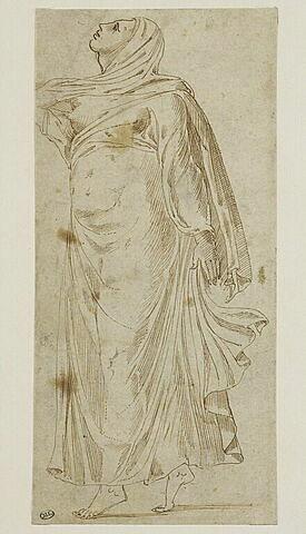 Sculpture antique représentant une femme drapée dansant