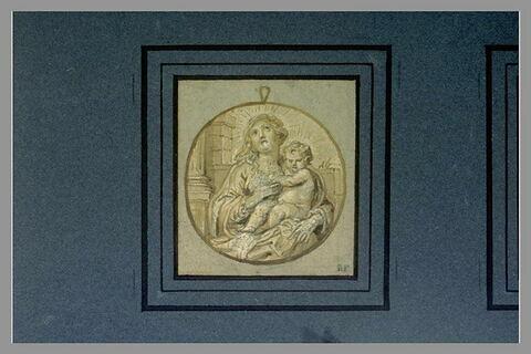 La Vierge, de face, et l'Enfant Jésus