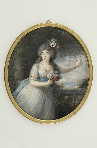 Jeune femme vêtue de blanc, avec un bouquet de fleurs