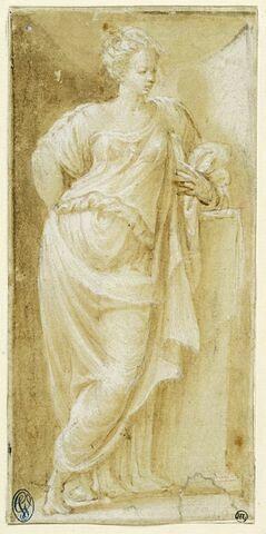 Femme debout, drapée, accoudée sur une demi colonne, regardant vers la droite