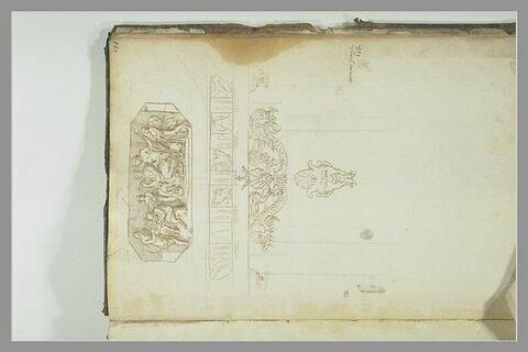 Scène mythologique ; frise de triglyphes et de trophées ; motifs...