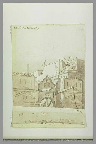 Porte de ville avec remparts munis de canons aux créneaux ; arabe couché