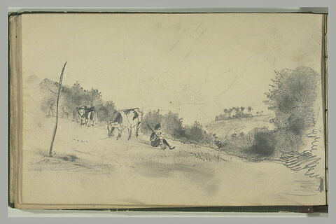 Paysan gardant des vaches dans un champ en pente, et arbres dans le fond