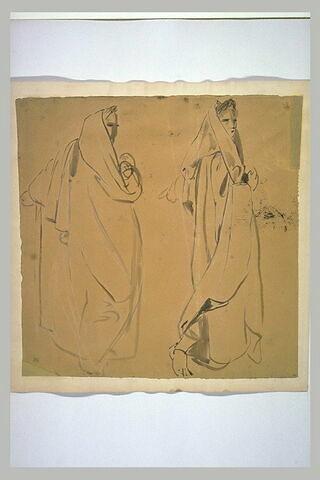 Deux figures drapées, et laurées, debout, de profil à droite