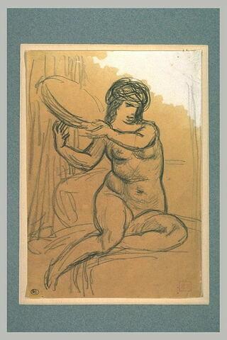Femme assise, jambes croisées, de face, tenant un tambourin