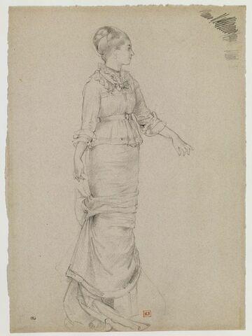 Portrait de femme, debout, de profil à droite, le bras gauche en avant