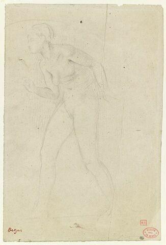 Femme nue, marchant vers la gauche, le torse penché en avant