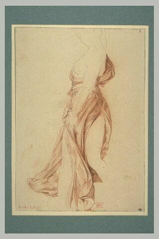 Femme à demi nue, vêtue d'une robe