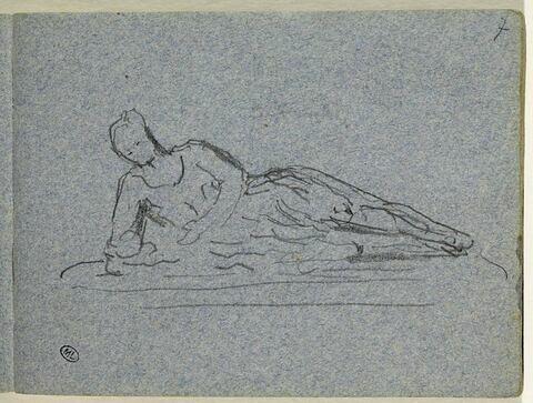 Sculpture d'une figure allongée, en appui sur l'avant-bras droit