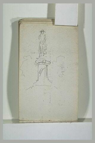 Statue sur une colonne dorique
