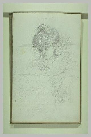 Portrait d'une femme, coiffée d'un chignon