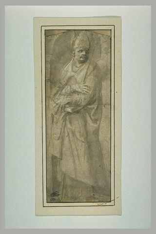 Saint évêque debout, les bras croisés devant lui, dans une niche