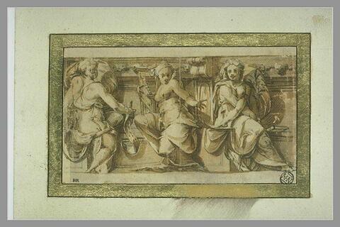 Frise ornée de trois figures allégoriques assises : trois Muses?