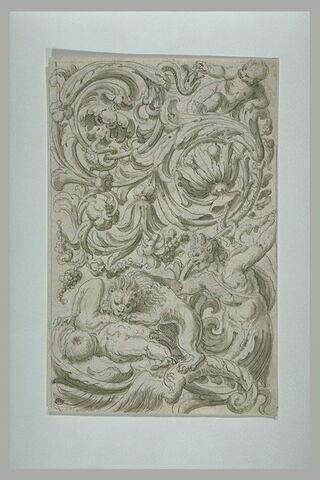 Motif de grotesques, avec un lion dévorant un homme, un triton (ou un satyre?) et un putto