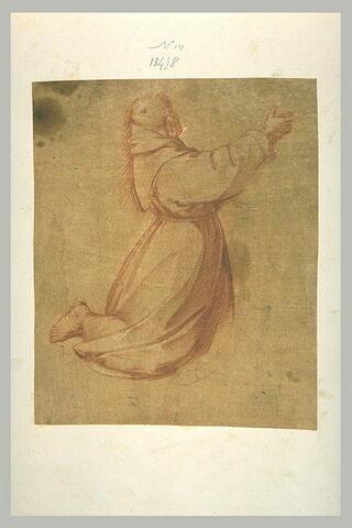 Un religieux à genoux, tourné vers la droite, levant le bras