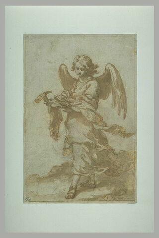 Ange tenant le marteau et les clous