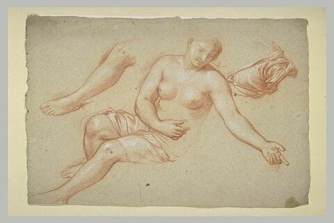 Femme demi-nue assise ; reprise de la jambe et draperie