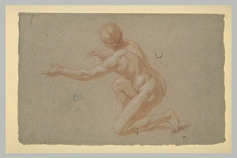 Figure nue, vue presque de dos, un genou à terre