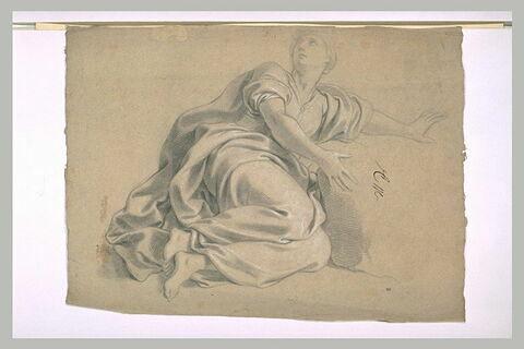 Femme drapée, à demi-couchée