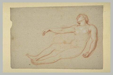 Femme nue, à demi-allongée