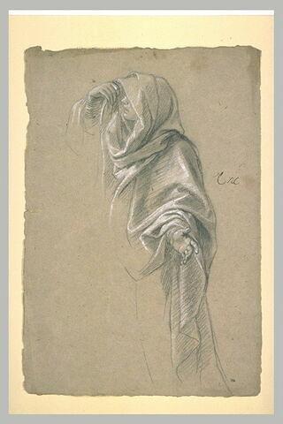 Femme drapée et voilée, de profil