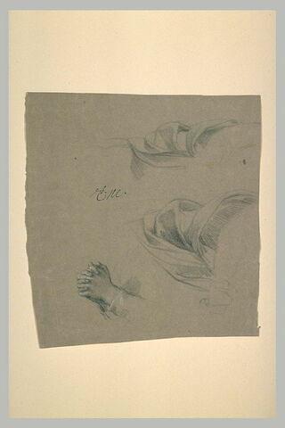 Deux draperies. Mains aux doigts croisés