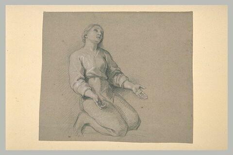 Femme à genoux