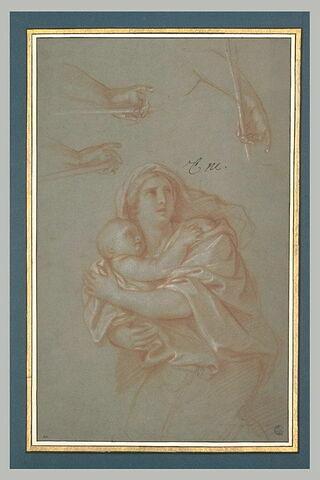 Femme drapée tenant un enfant. Trois études d'une main