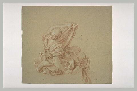 Femme drapée assise, vue presque de dos