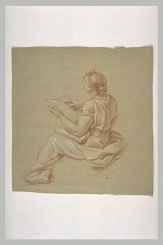 Femme drapée, assise, tenant un livre ouvert