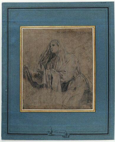 Une femme tenant une draperie, tournée vers la gauche