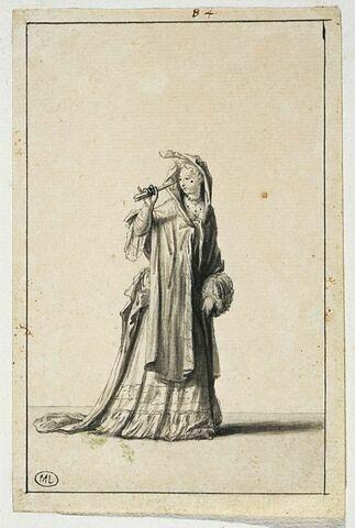 Femme écartant sa coiffe avec un éventail, les épaules couvertes...