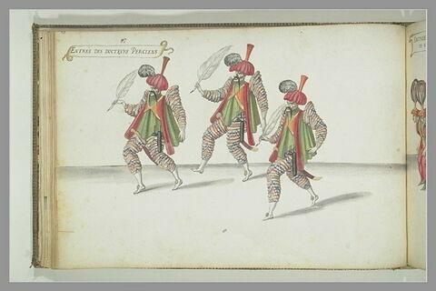 Entrée des 'docteurs Perciens' : trois figures