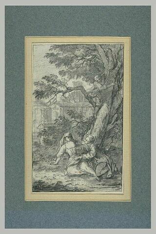 Homme sur un arbre épiant un couple