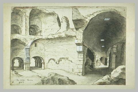 Vue de l'intérieur du Colisée à Rome