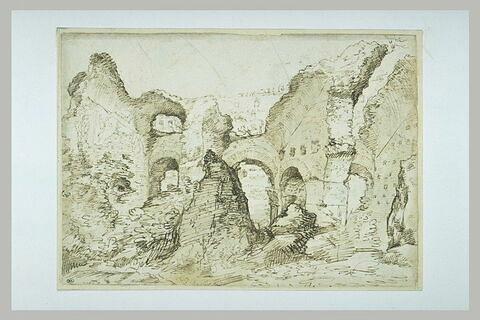 Vue d'une partie des ruines du Colisée
