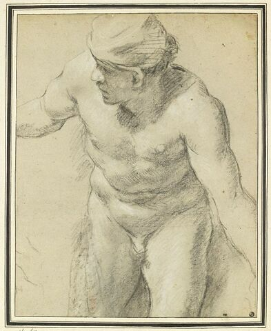 Homme nu, penché en avant et regardant à gauche, vu de face