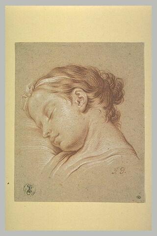 Tête de jeune fille endormie