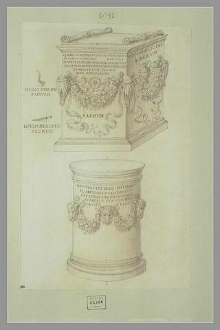 Un monument votif ; un autel en forme de colonne dédié à Mithra