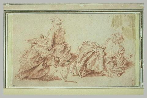 Une femme assise tenant une écuelle et une femme à demi allongée
